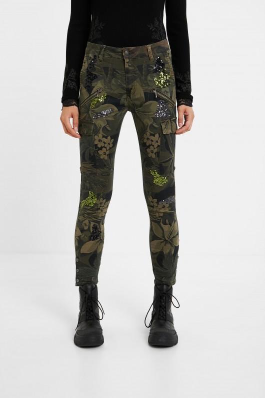 Pantaloni Desigual cu design floral military