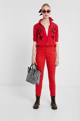 Jeans de culoare rosie
